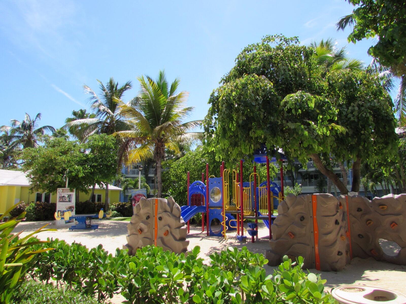 Beaches-Turks-and-Caicos-sparkleshinylove