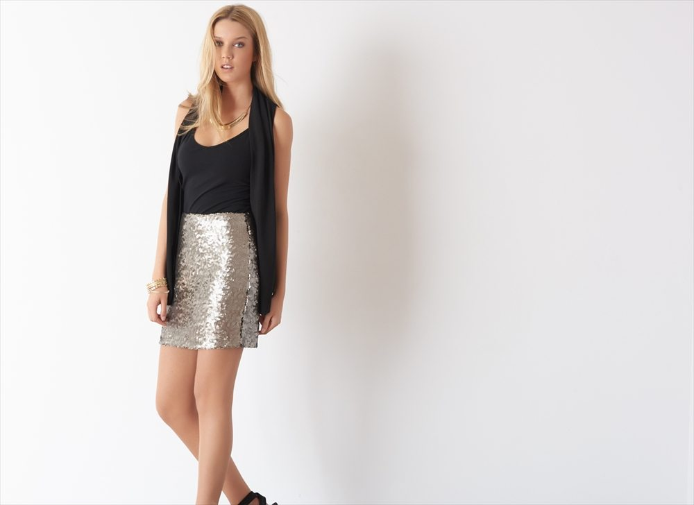 Dynamite Sequined skirt
