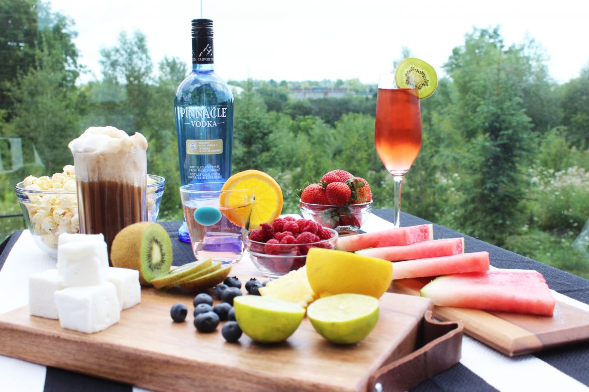 Easy summer party cocktails with pinnacle vodka for Fun easy party drinks