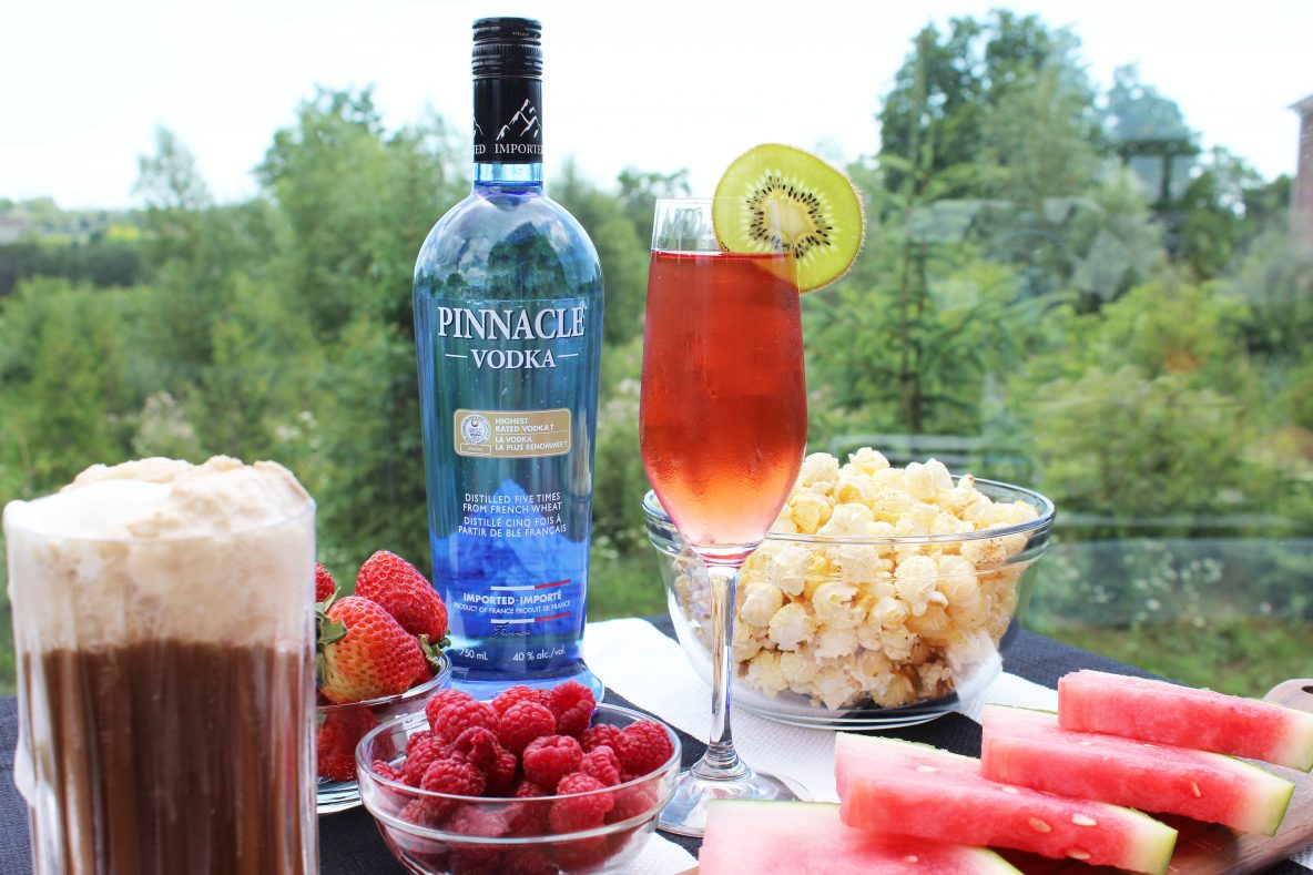 Easy summer party cocktails with pinnacle vodka for Fun cocktails with vodka