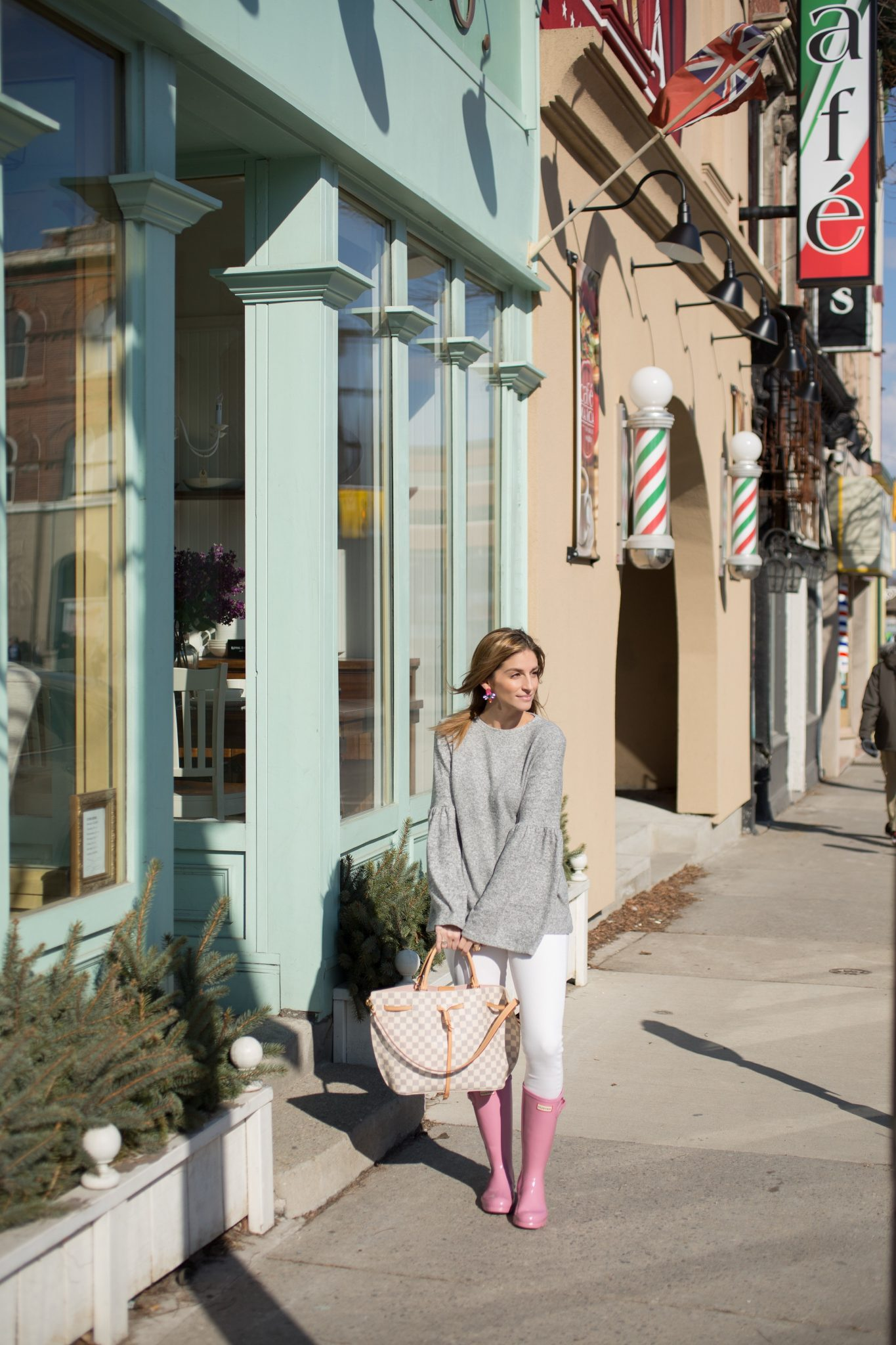 Zara Grey Bell Sleeve Top, White Jeans, Pink Hunter Boots, Louis Vuitton Girolata Bag Mandy Furnis sparkleshinylove