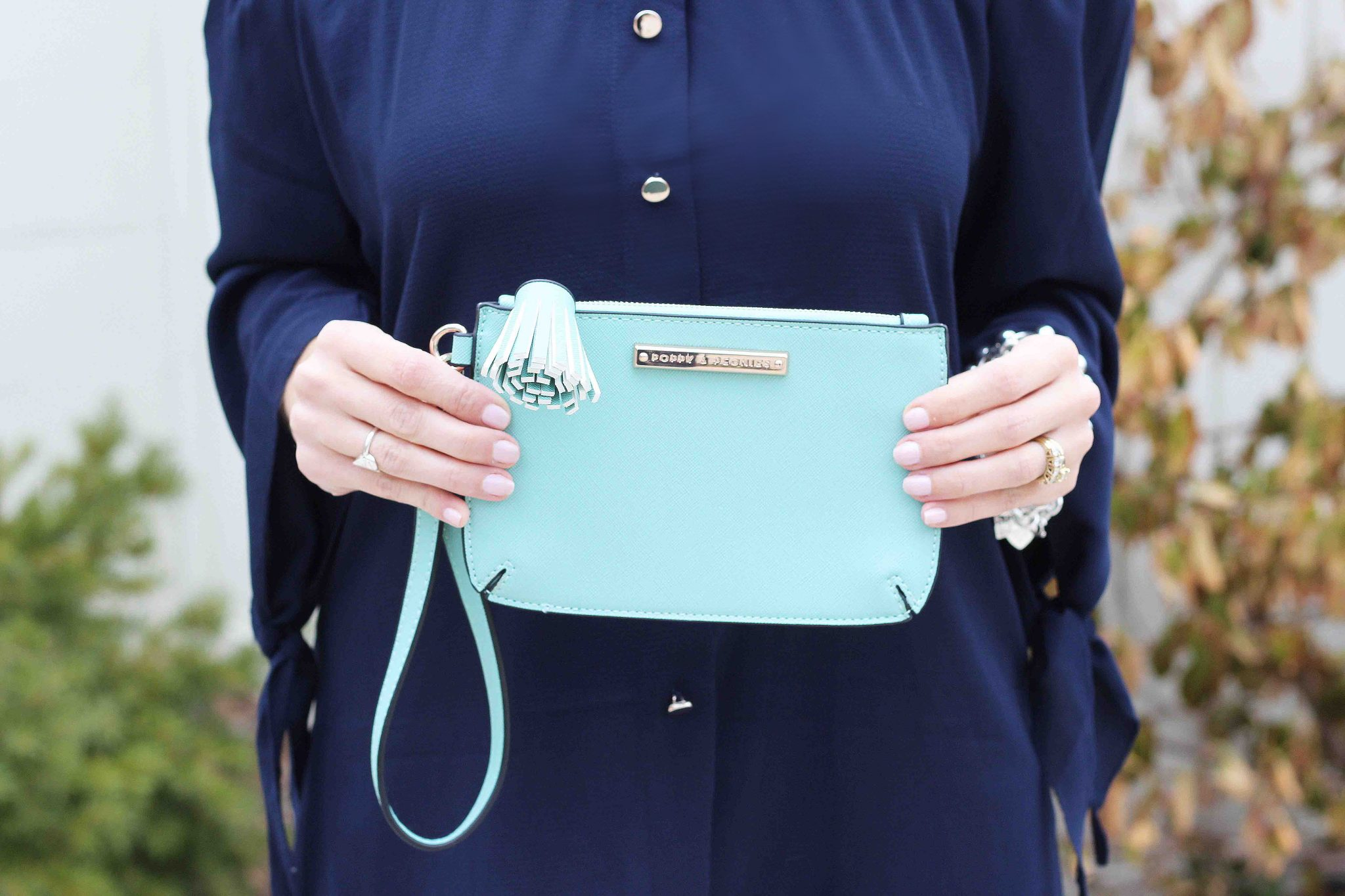 Poppy & Peonies mini mint wristlet