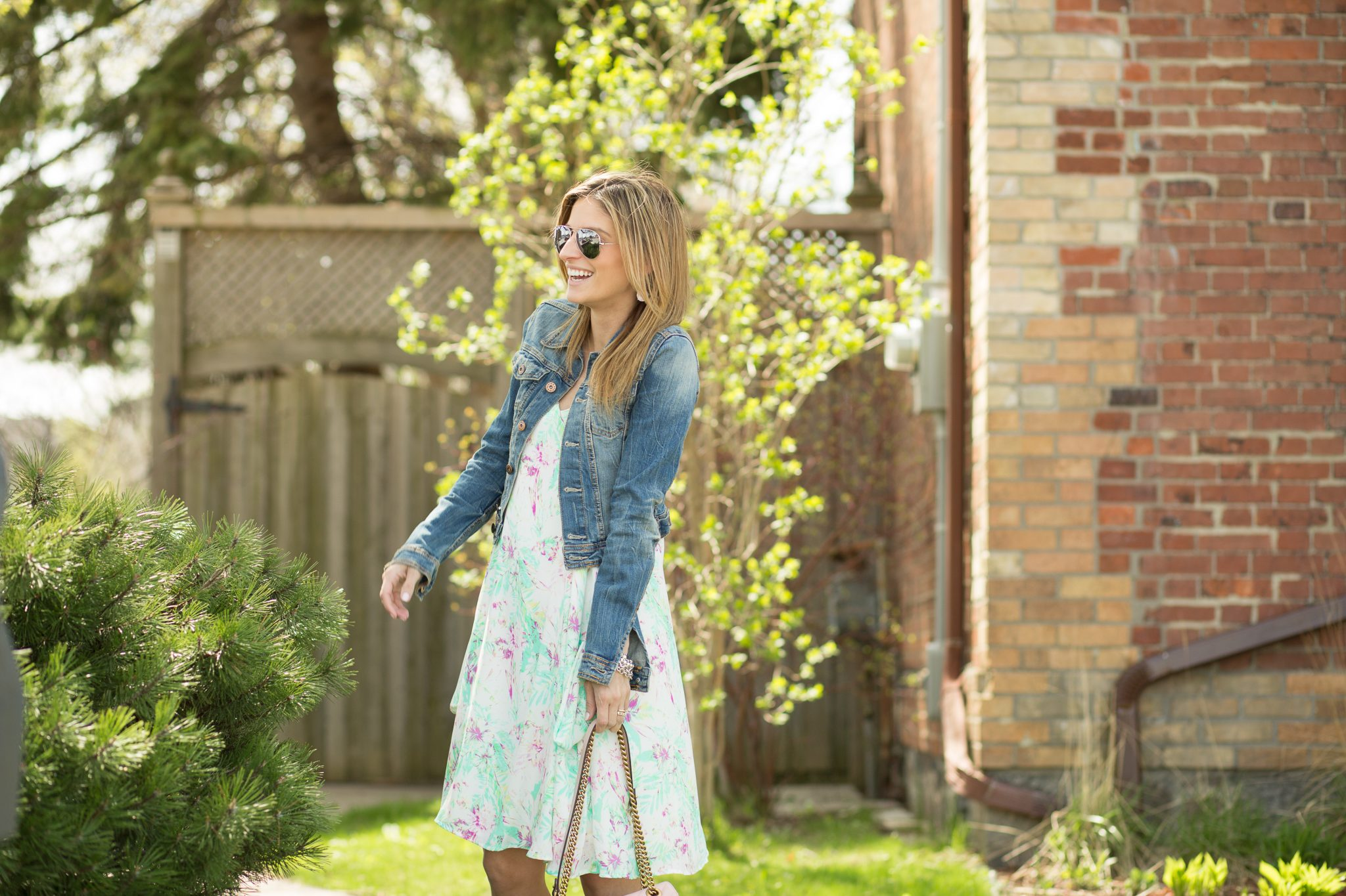 Summer dress with jean jacket and pink gucci bag