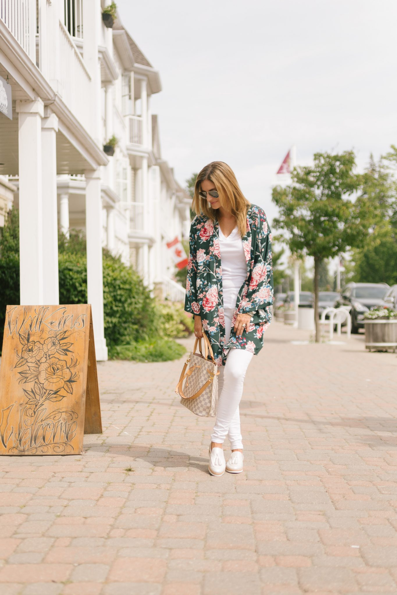 Geox Janalee shoe, green floral kimono from Forever 21, white jeans, Louis Vuitton Girolata bag