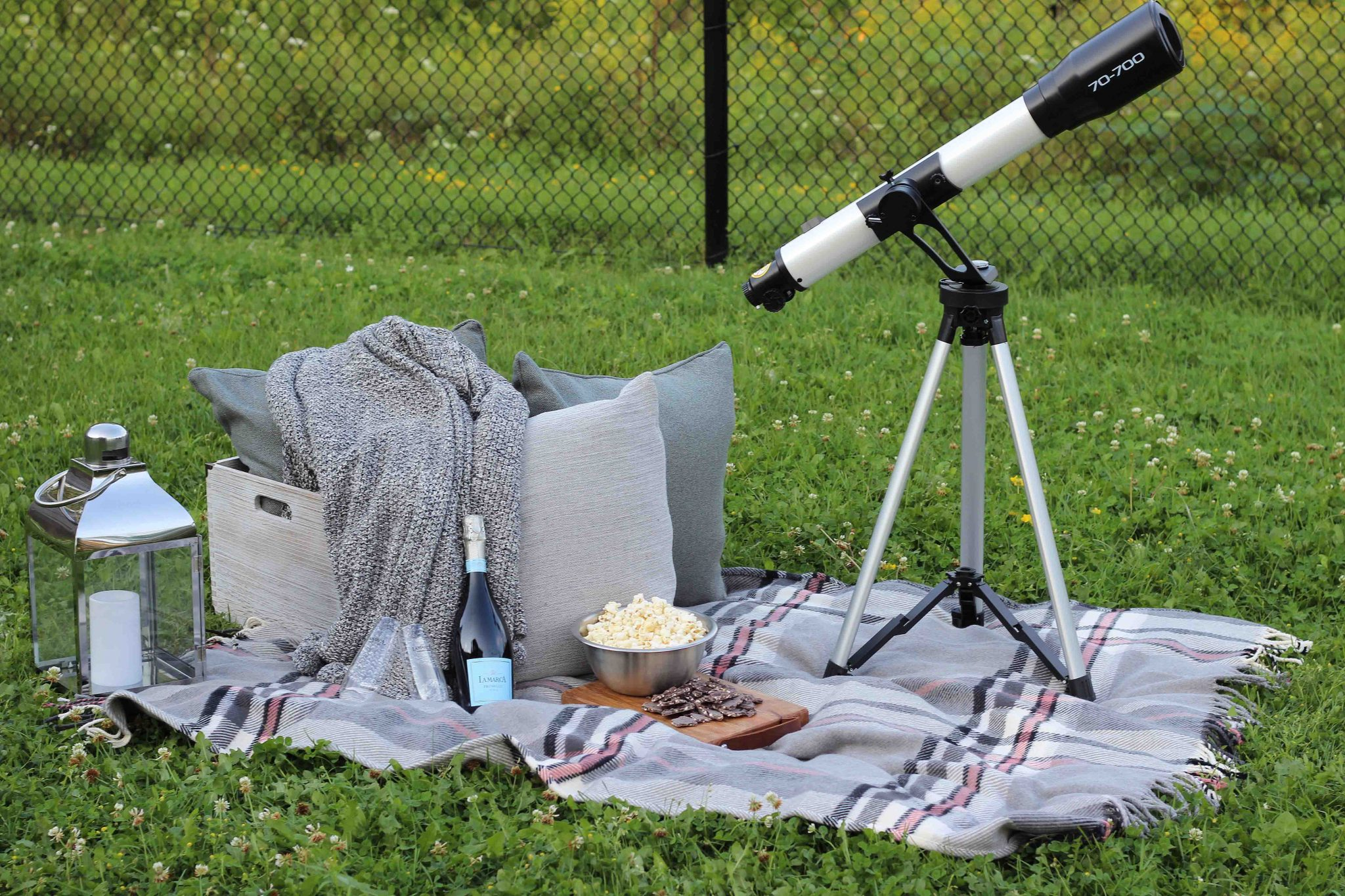 How to Create a Stargazing Date at Home sparkleshinylove