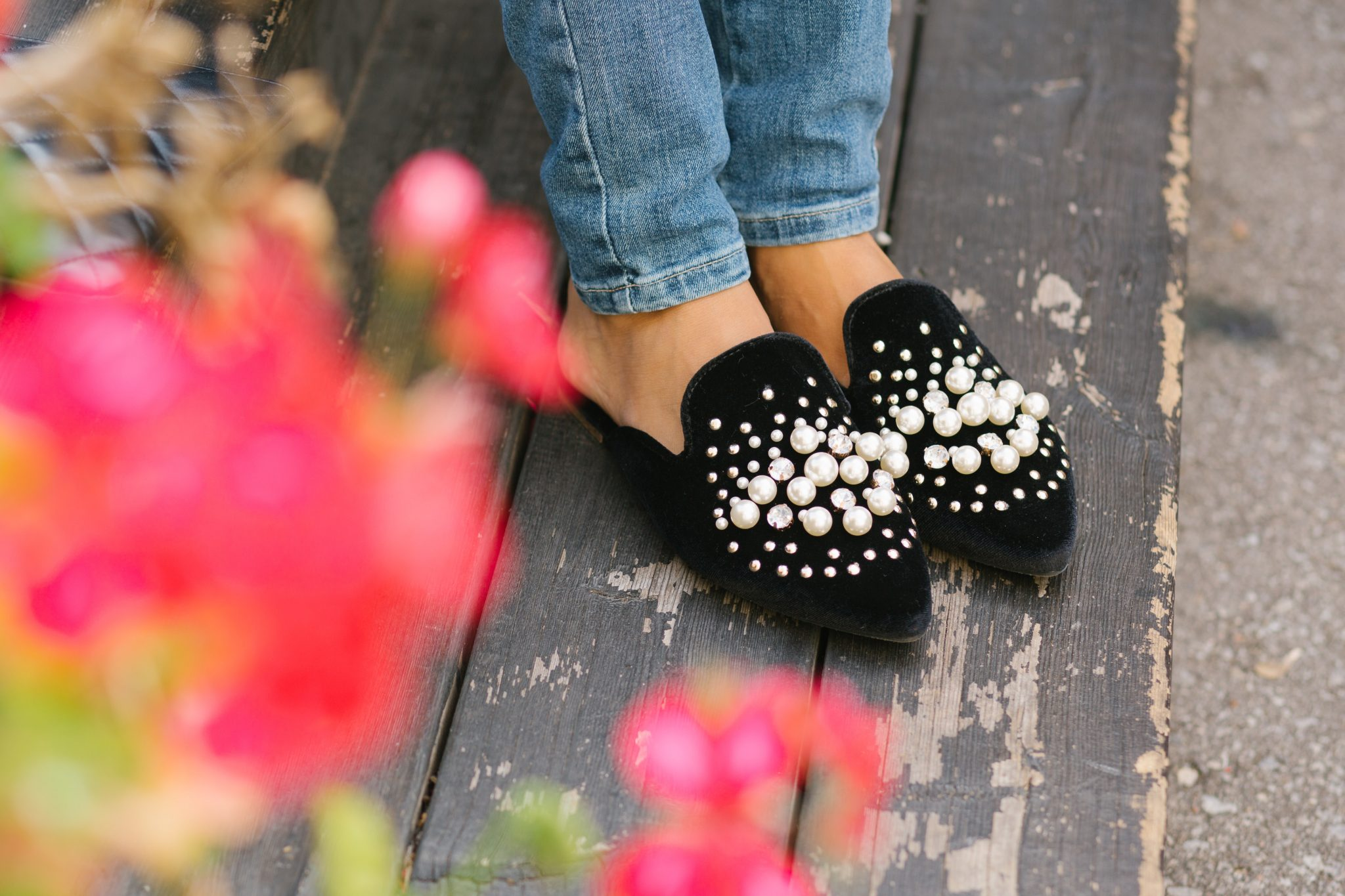 Velvet embellished slippers