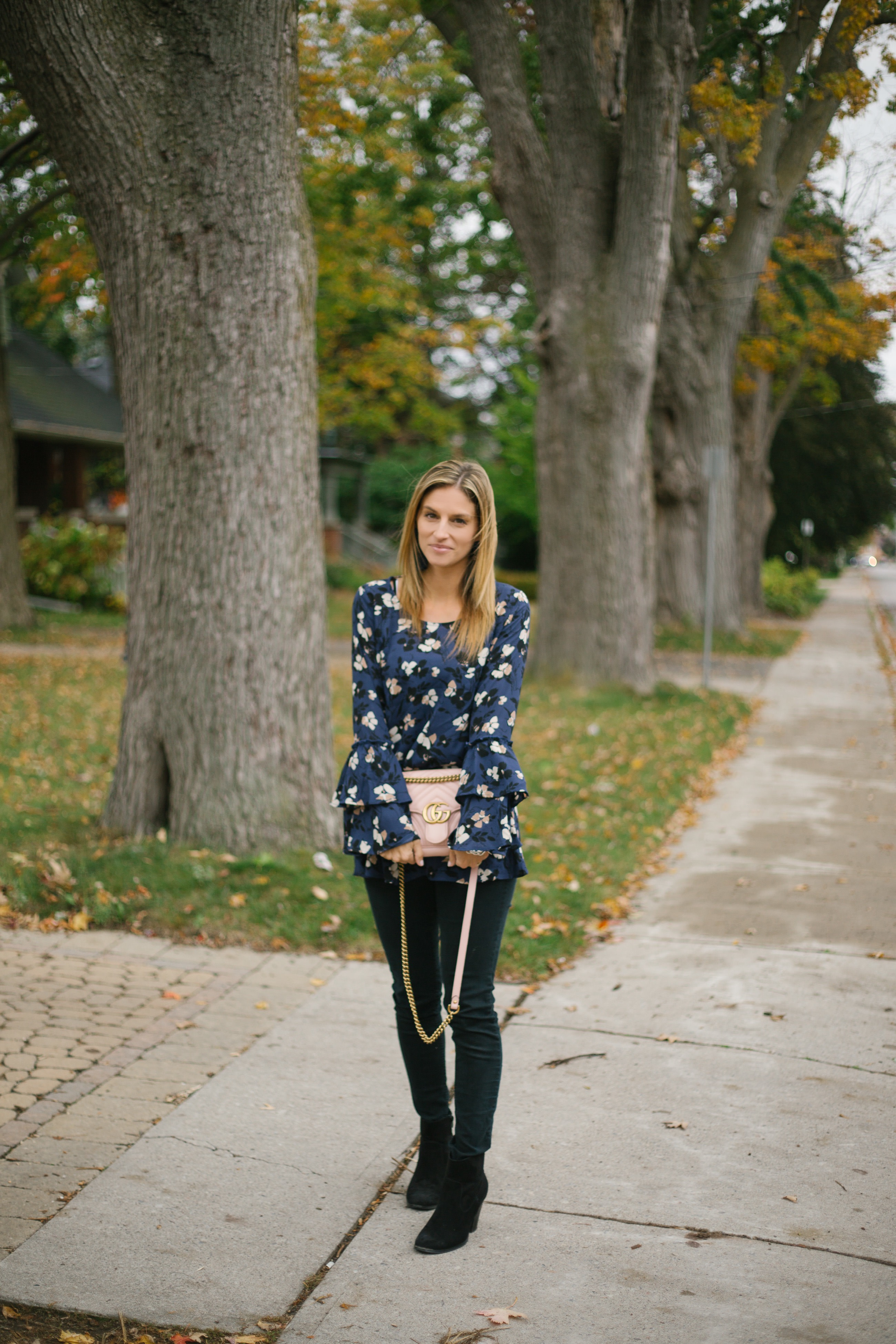 Perfect fall look with bell sleeve top, jeans and ankle boots
