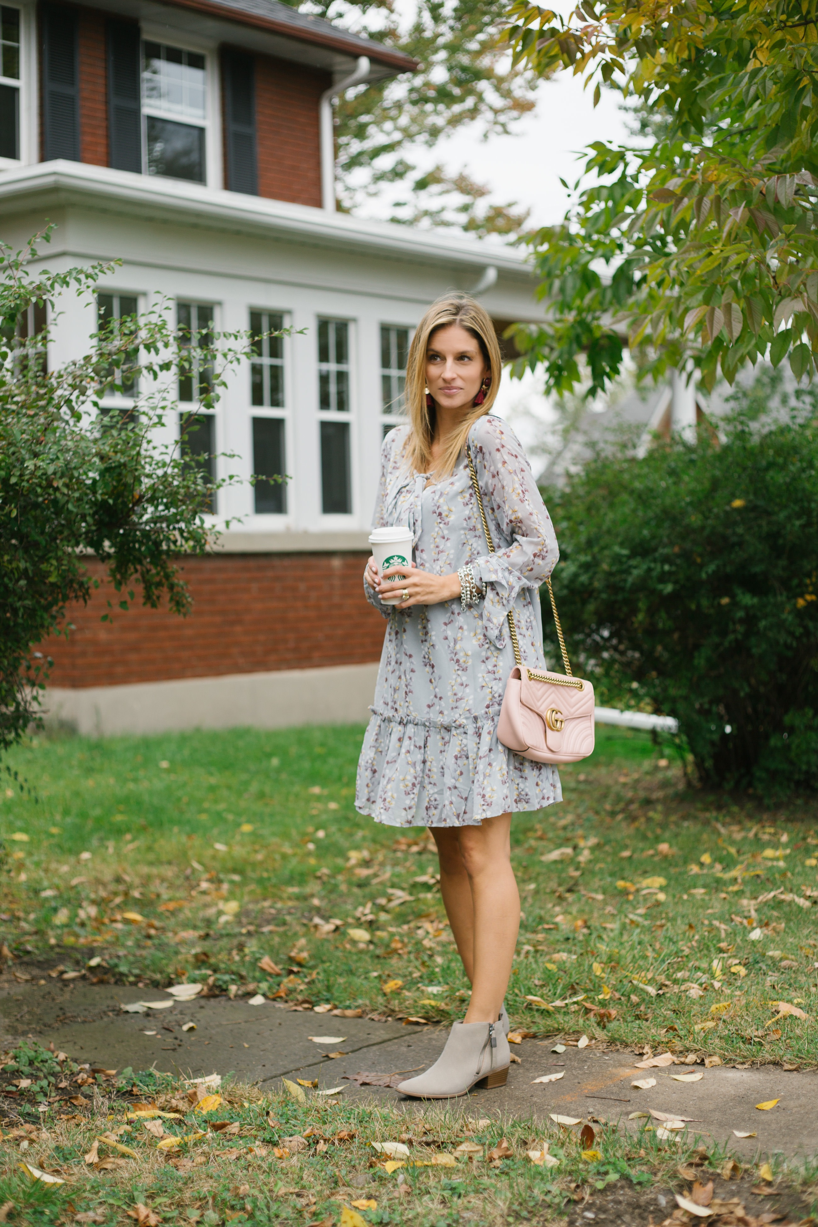 what to wear for fall - pretty long sleeve dresses