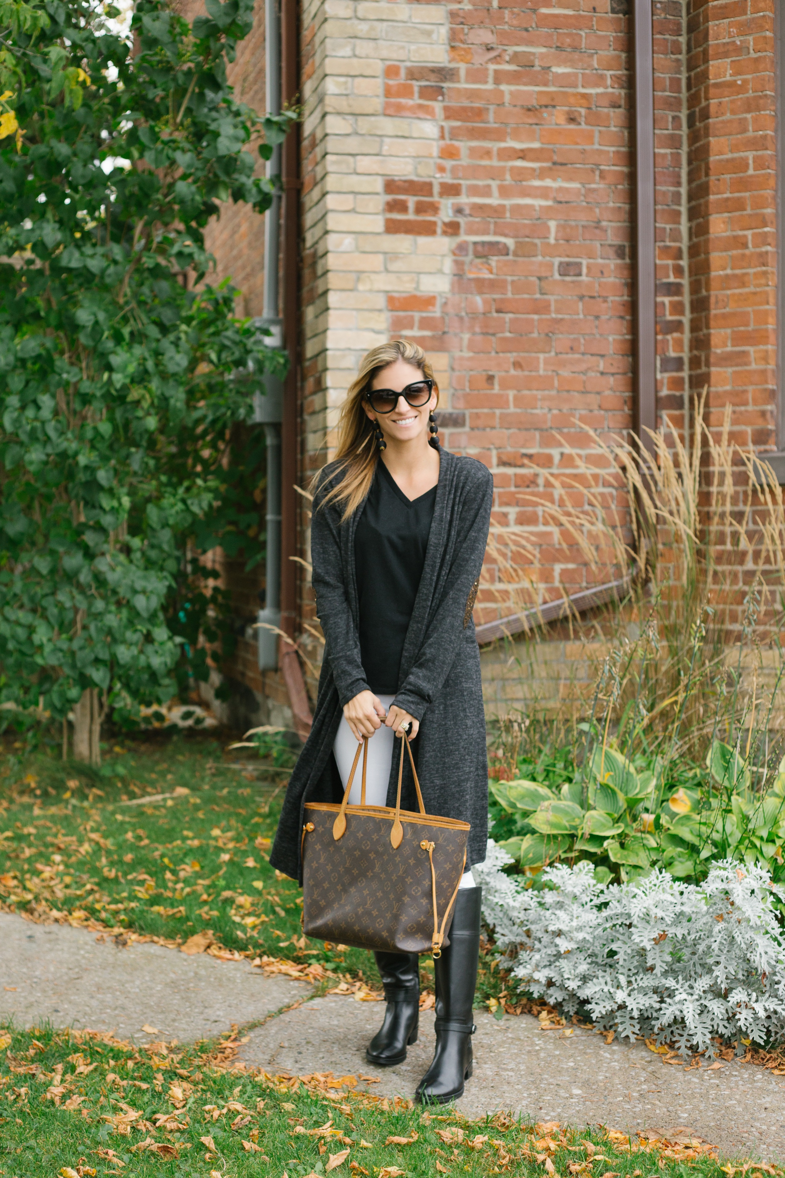 Long grey cardigan with sequin elbows