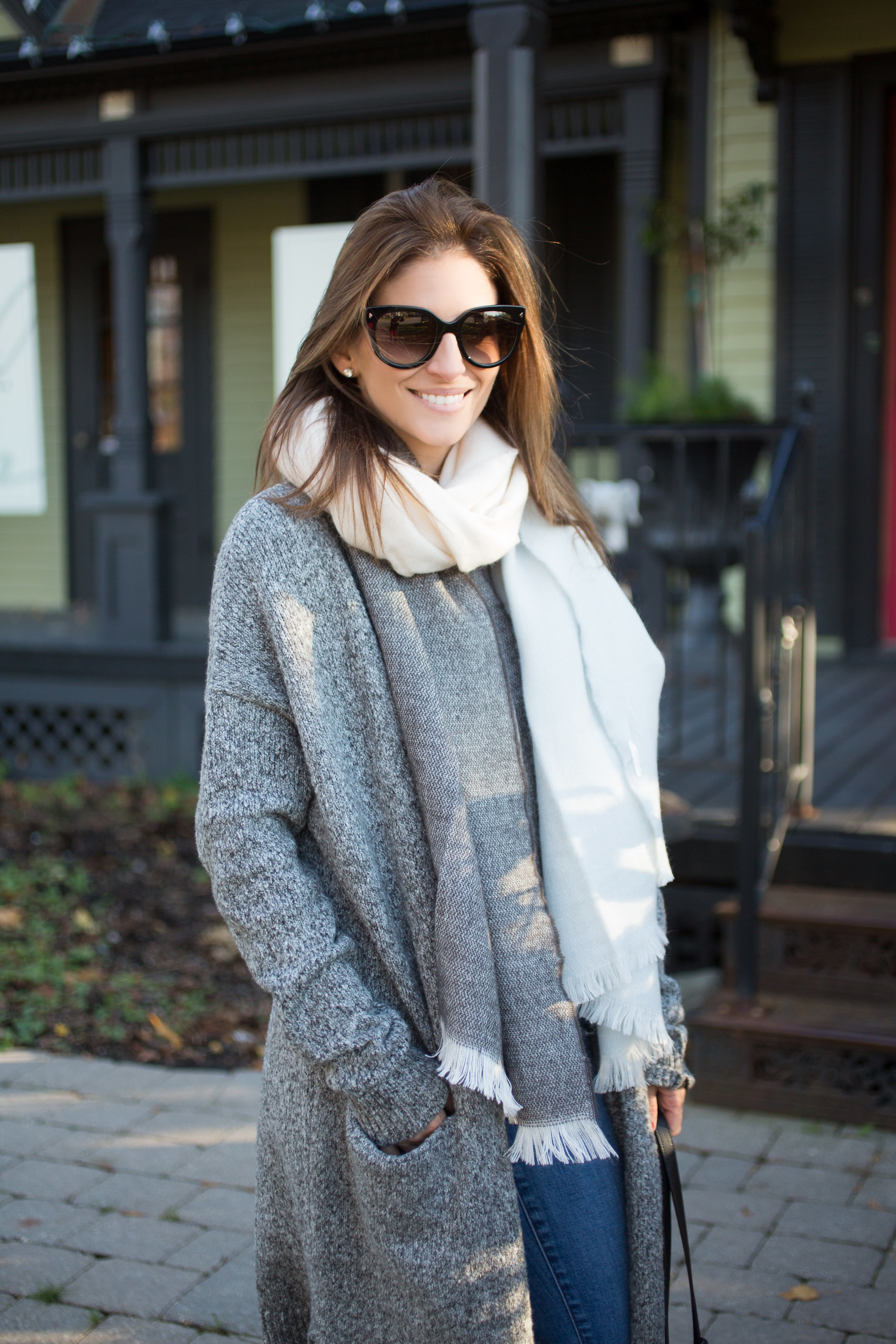 winter-look-with-cardigan-and-warm-scarf