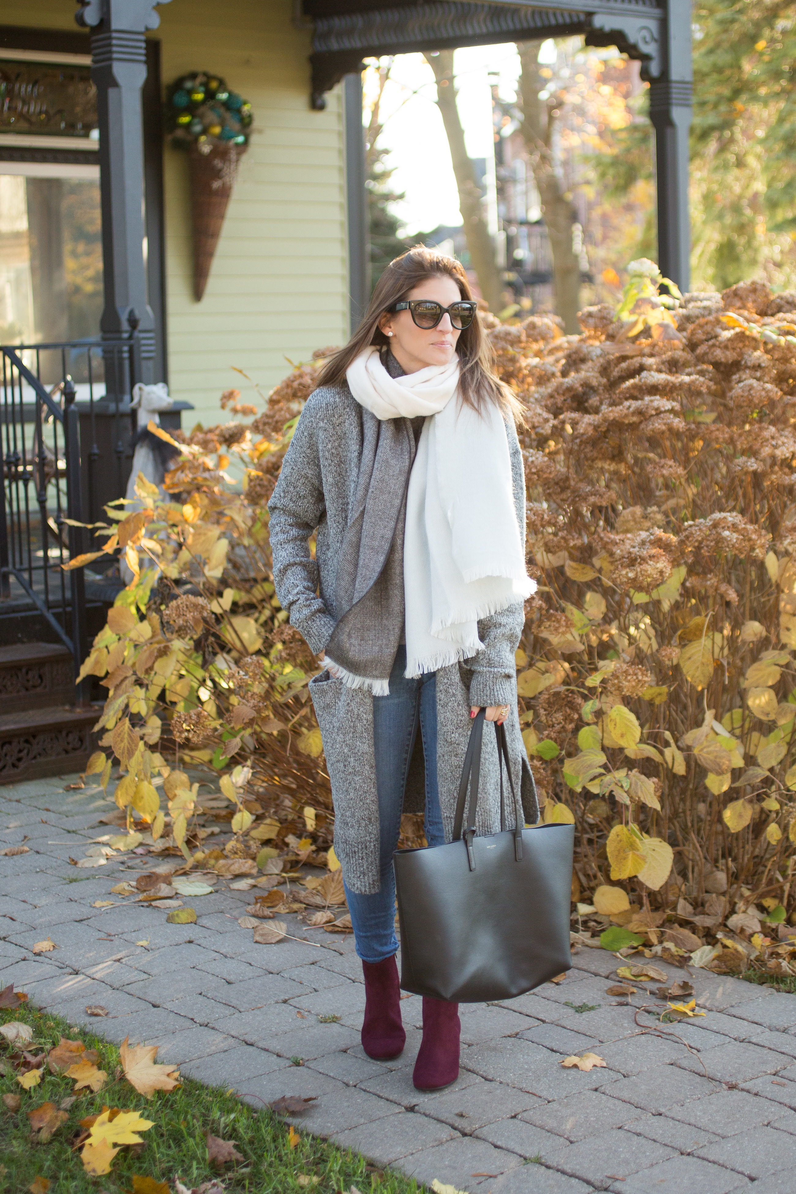 what to wear for the weekend with a long cardigan and cozy scarf sparkleshinylove Mandy Furnis