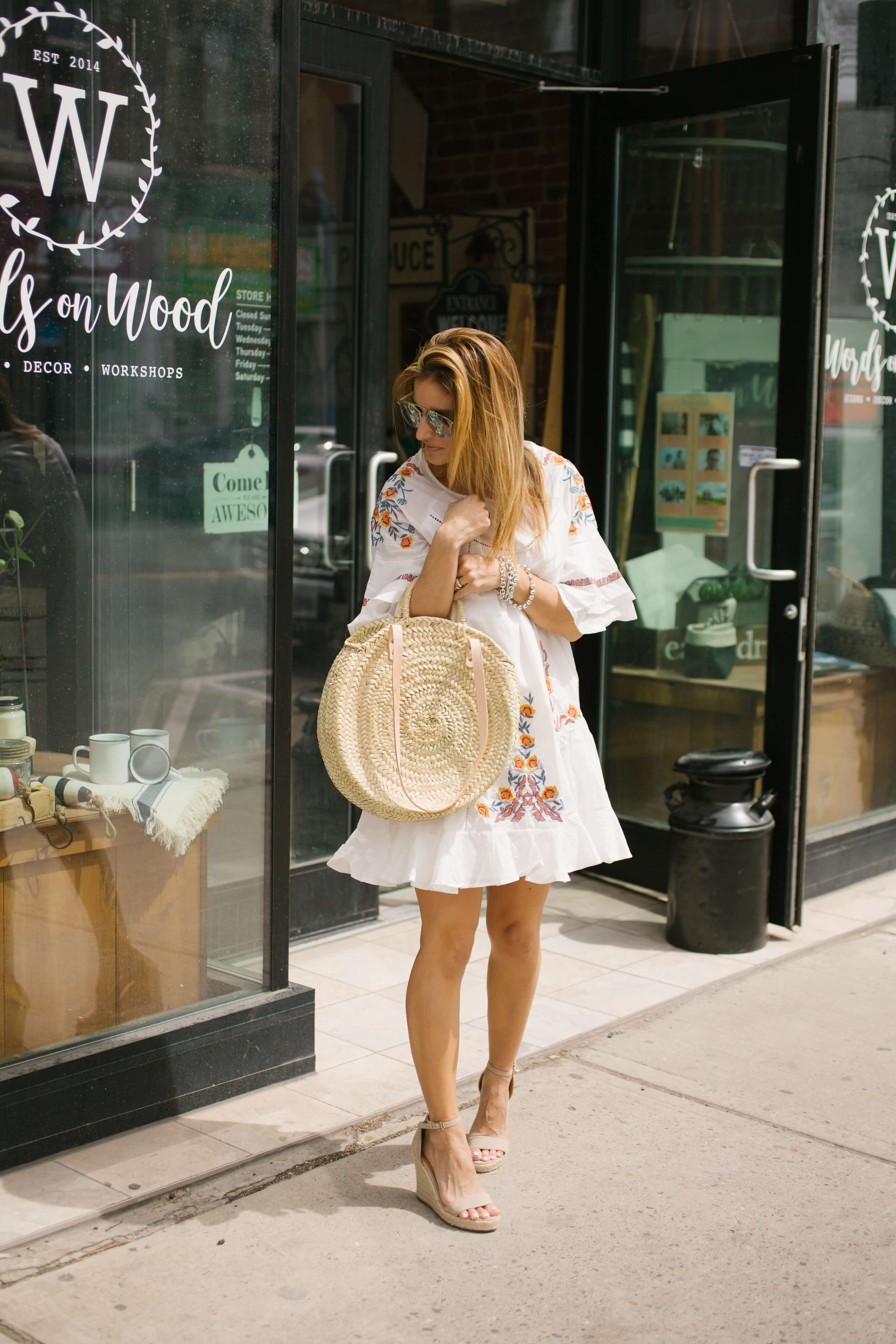 White summer floral dress; round straw bag; dior so real sunglasses; summer dress; summer blogger style; sparkleshinylove Mandy Furnis