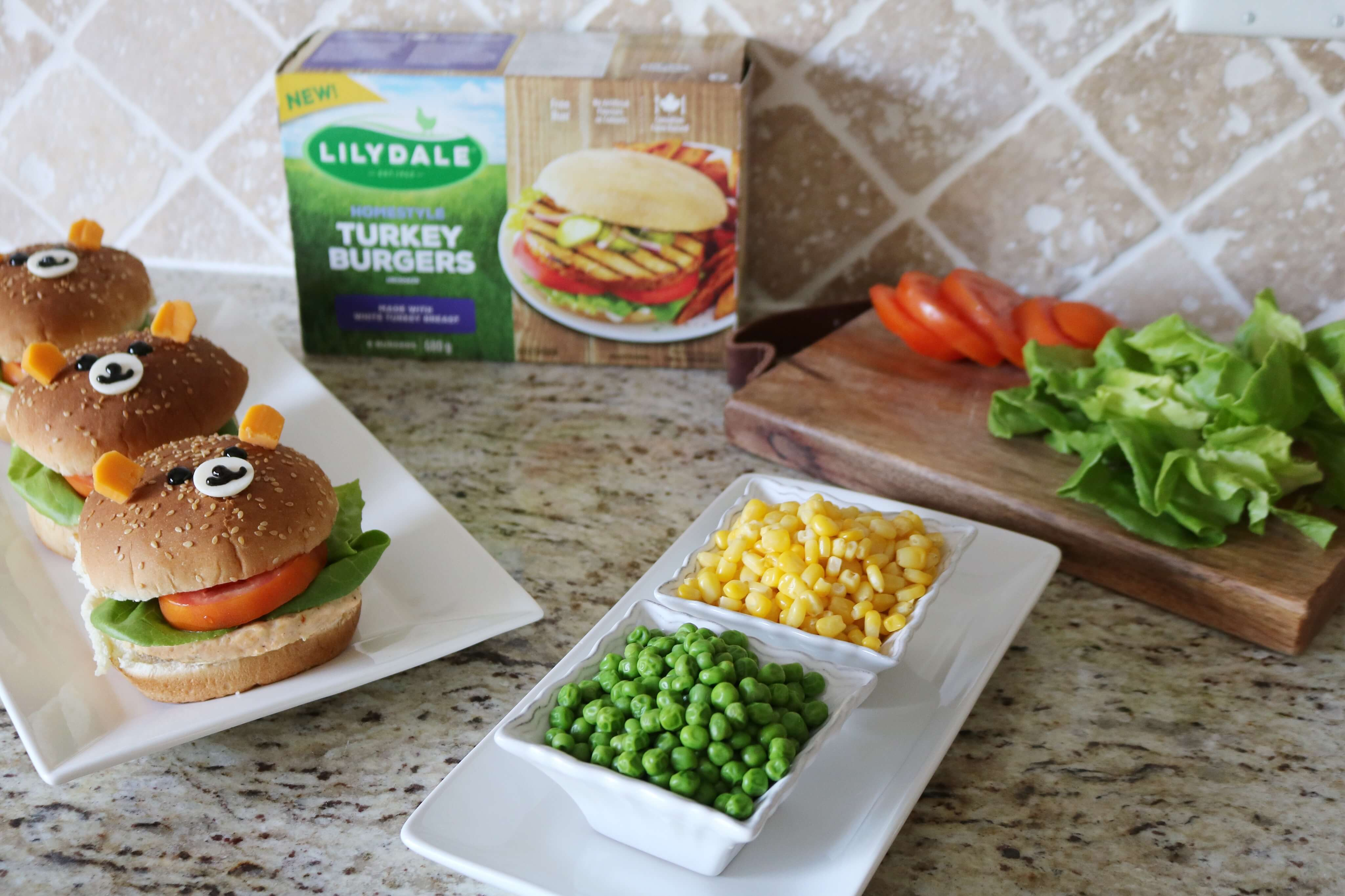 Cute bear burgers for kids; Making Dinner fun with Homestyle Turkey Burgers from Lilydale sparkleshinylove