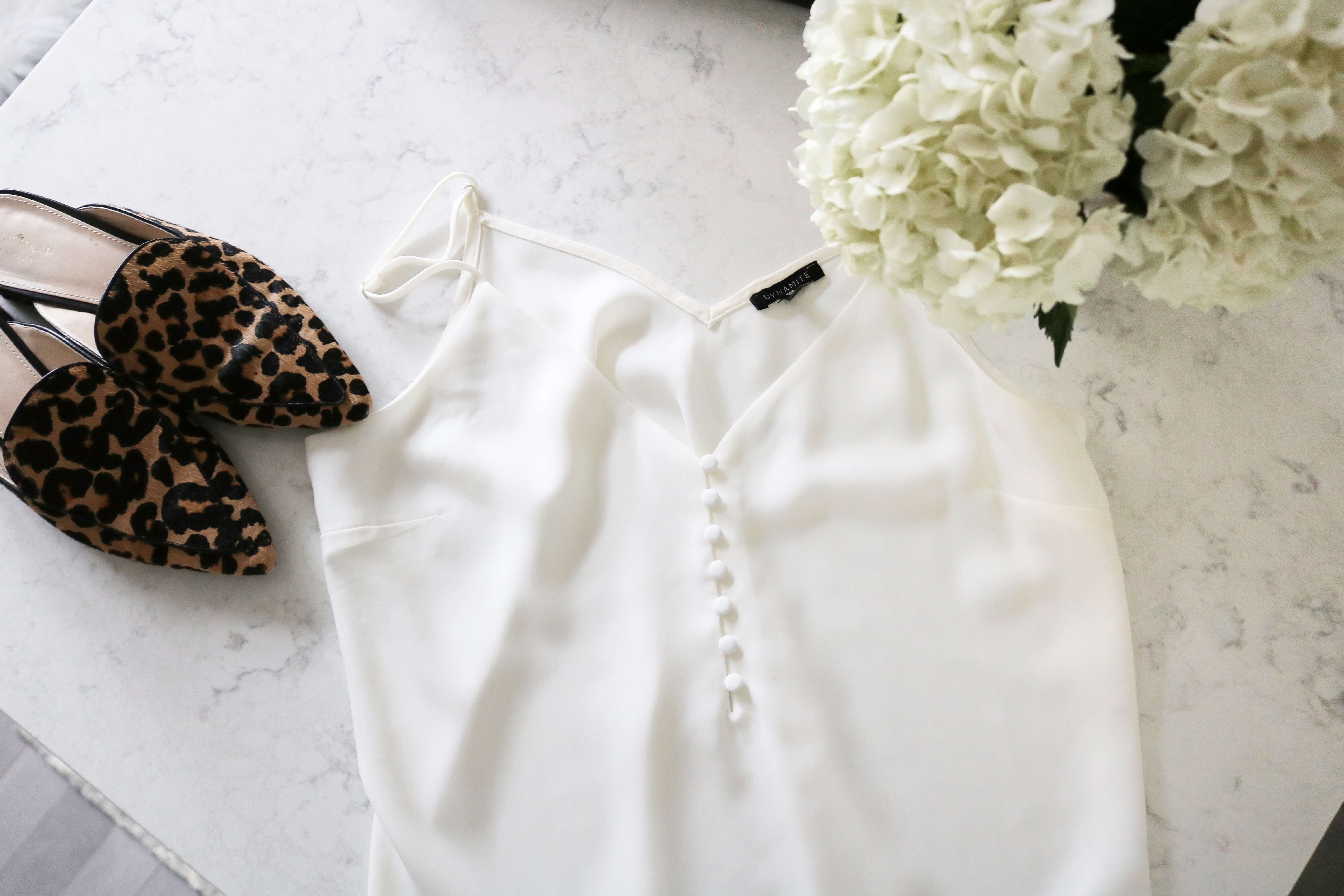 How to build a capsule wardrobe; what is a capsule wardrobe; wardrobe basics; sparkleshinylove