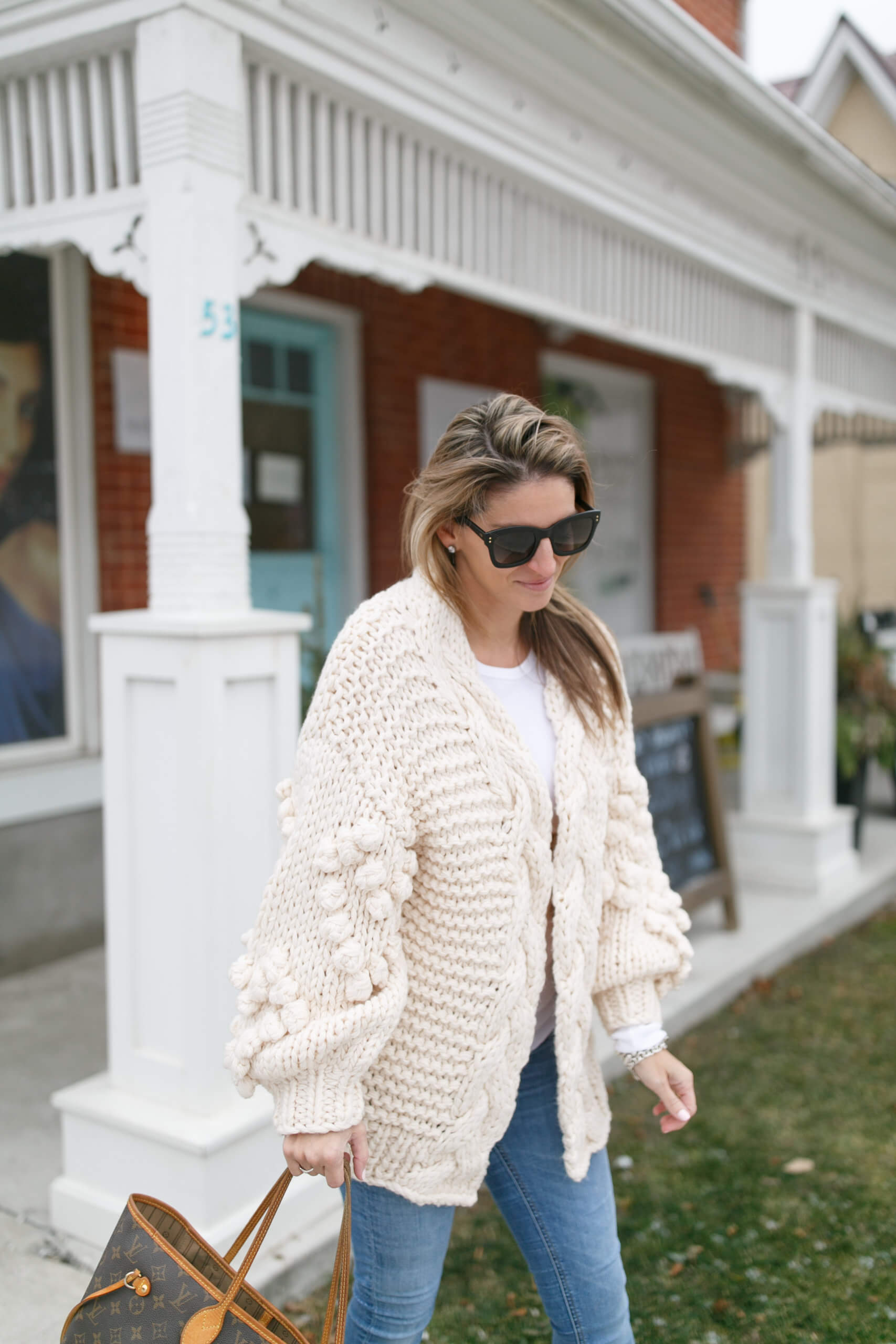 Oversized knit cardigan; winter outfit; cozy knit sweater
